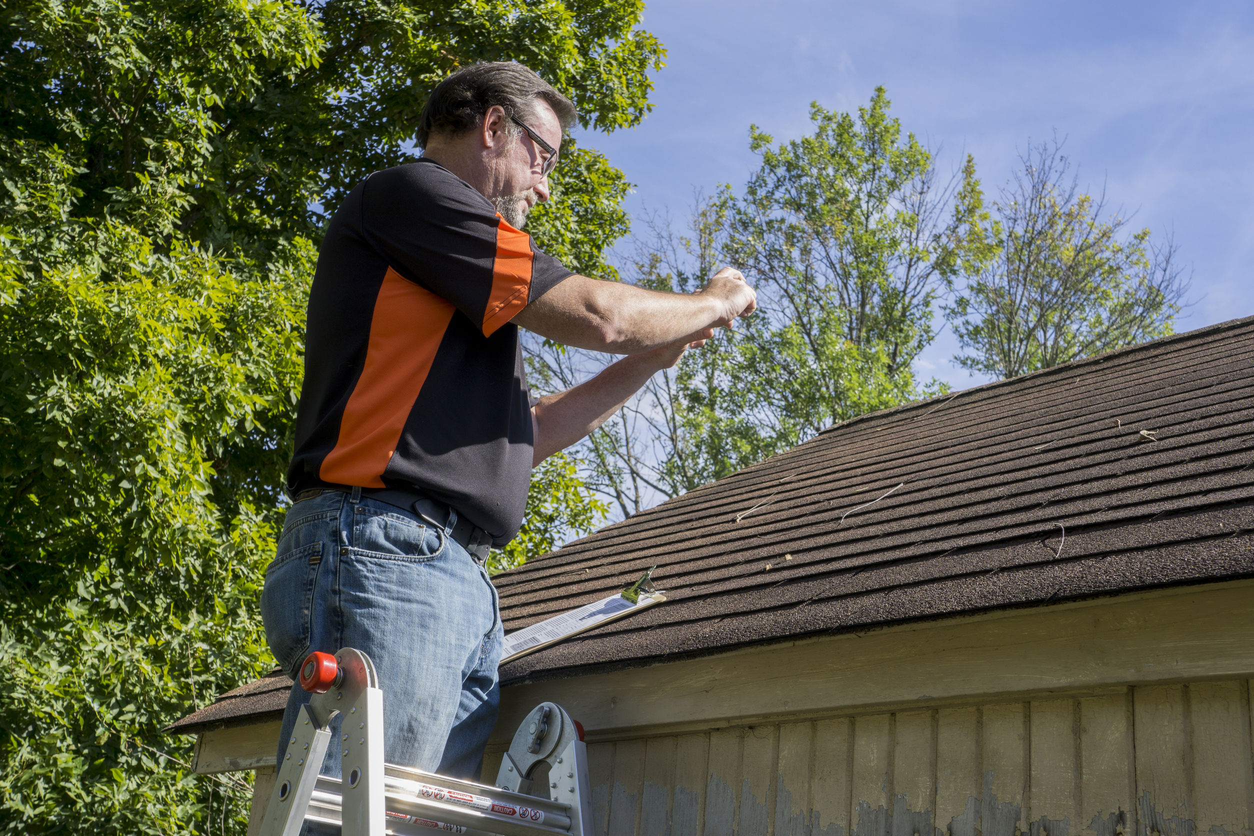 roofing-contractor-leakage